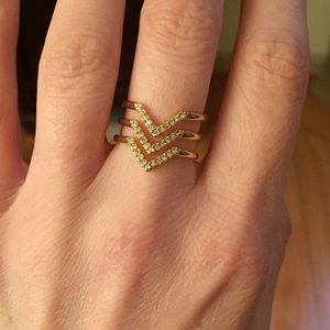 New in Box Stella and Dot pave chevron ring